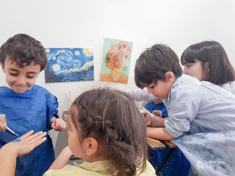 Niños pintando al estilo de Van Gogh