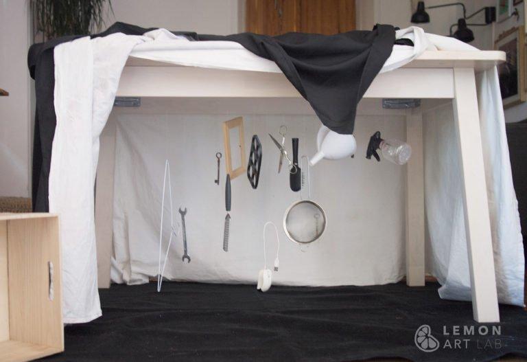 Objetos corrientes crean una instalación artística