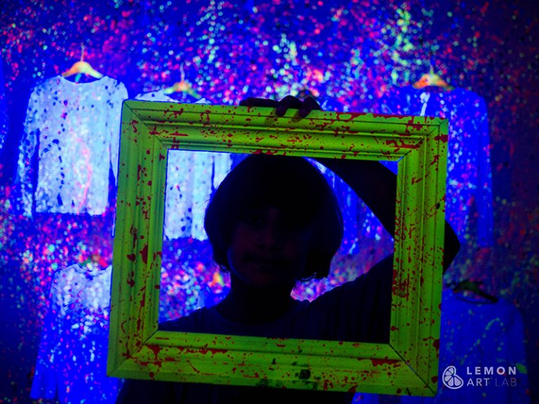 Action Painting Glow_ ©Art Stories112