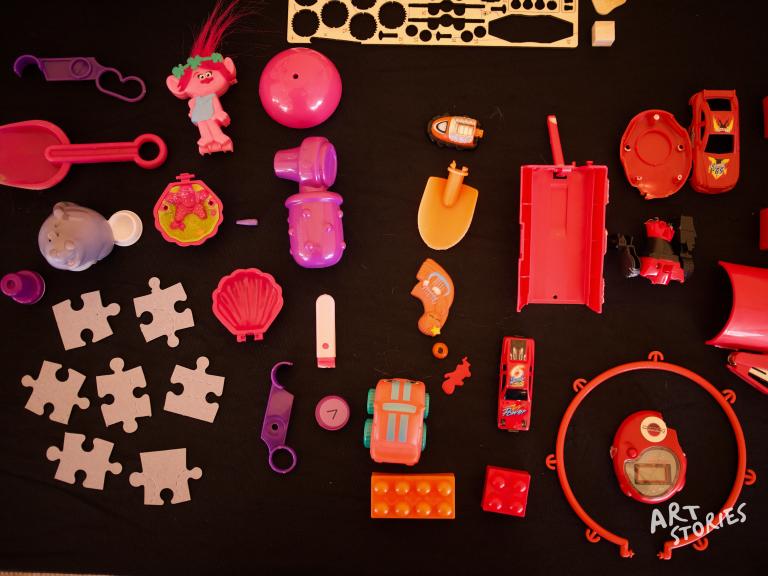 juguetes rotos para taller de reciclaje